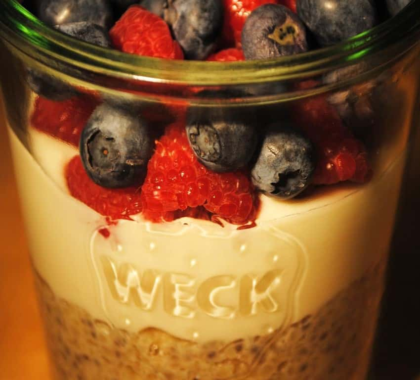 Chia Bulgur Frühstück mit Früchten